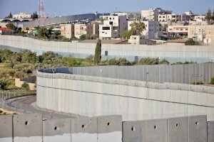 Israeli Annexation Wall near 'Aida Refugee Camp - Bethlehem, October 2012 (© Richard Wainwright)